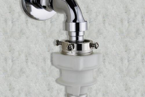 洗衣机与水龙头连接的地方处漏水怎么办呢?