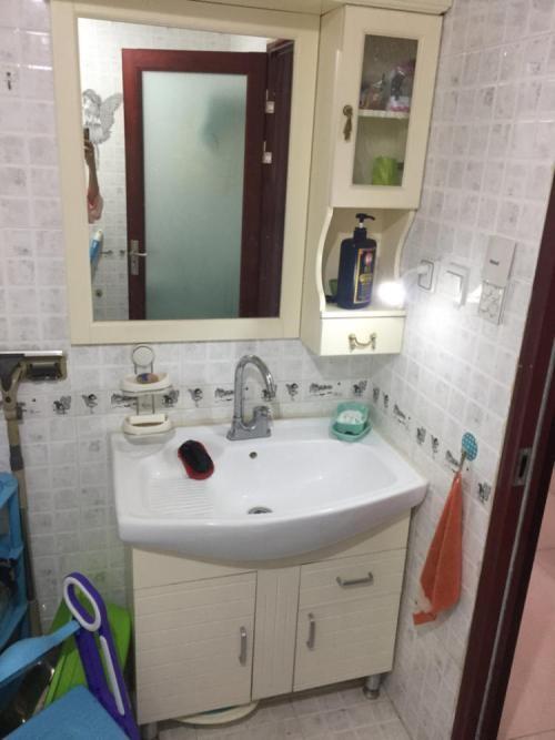 觉得卫生间的洗脸盆不好用,原来是洗脸盆水龙头没有安装好