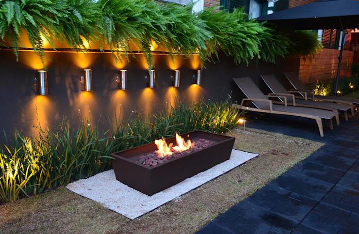 后院设计:一个有趣的自然壁炉设计