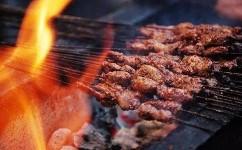 如何清除爐具上的沉積物?爐子和燒烤架上的污漬怎么去除?