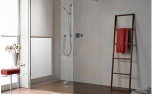 步入式淋浴房的安装方法,如何将浴室的浴缸改造步入式淋浴房