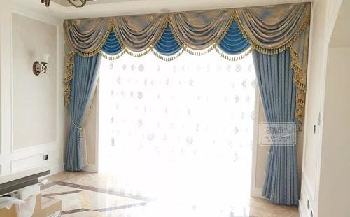 装饰卷帘窗帘的方法有哪些?卷帘窗帘布料形状和图案创意