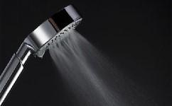 浴室淋浴喷头脱落怎么办? 淋浴喷头与软管接头脱落咋刅