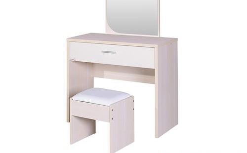 给你的浴室梳妆台刷上油漆是更新房间的好方法!