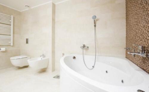 如何重新修理你的浴缸