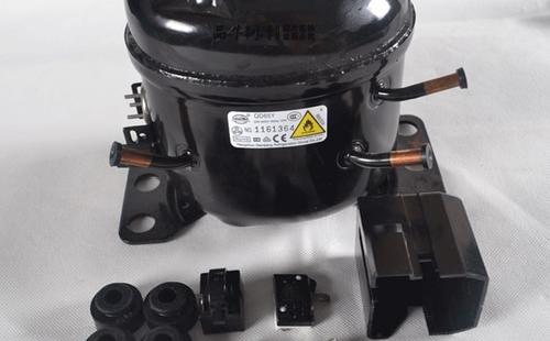 如何检查并更换冰箱压缩机的继电器?
