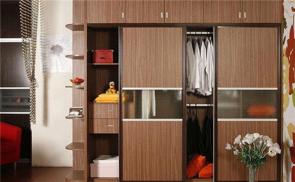木工定制衣柜和木匠定制衣柜有什么区别?