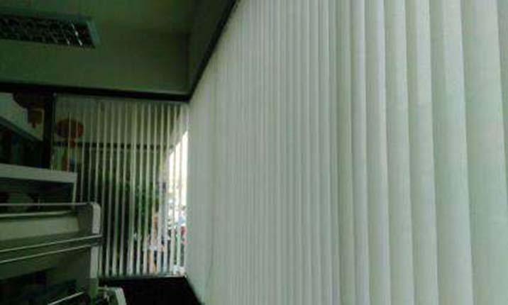 缝制雨棚窗帘,让你的卧室看起来很有个性