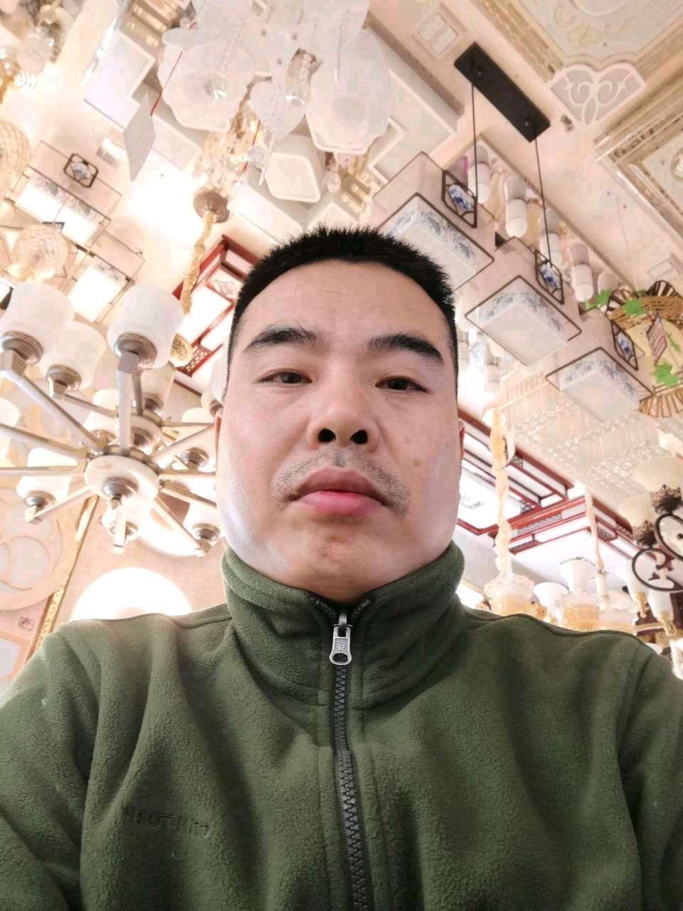 长顺县,福泉,惠水县实木地板维修宋师傅