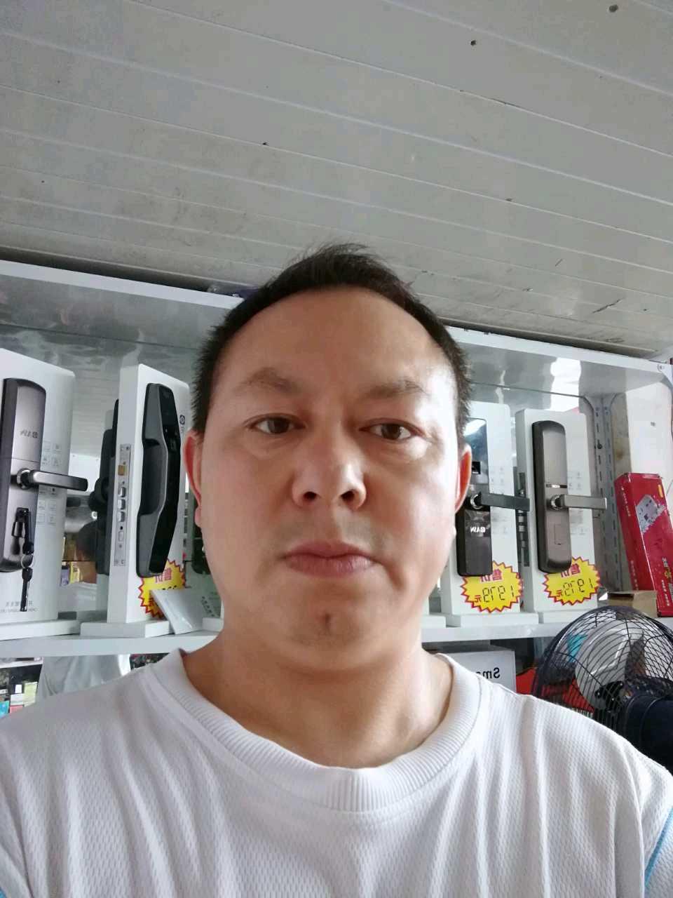 站前区衣柜维修刘师傅